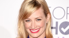 Beth Behrs HD Wallpapers