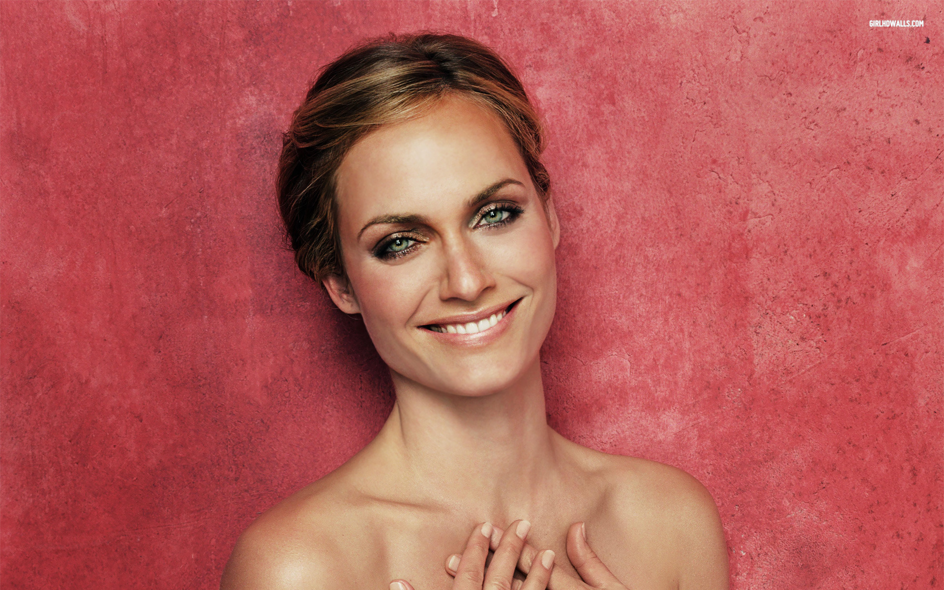 Amber Valletta Wallpapers High Quality | Download Free