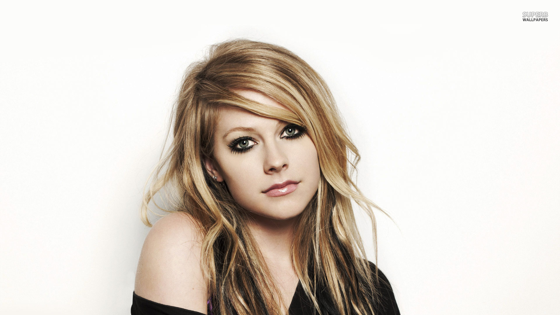 Avril lavigne wallpapers high quality download free avril lavigne wallpapers voltagebd Gallery