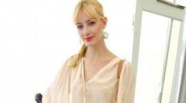 Beth Behrs Iphone wallpapers