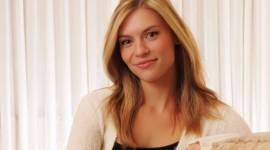 Claire Danes background