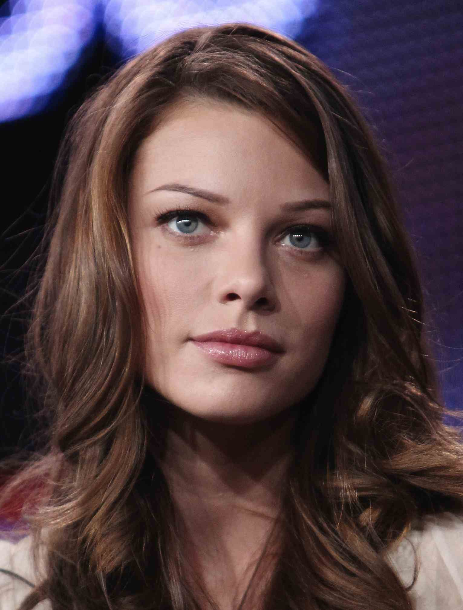 Lauren German Wallpapers High Quality | Download Free Amy Adams Movies