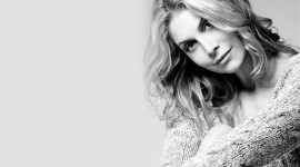 Elizabeth Mitchell Free download