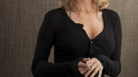 Elizabeth Mitchell HD Wallpaper