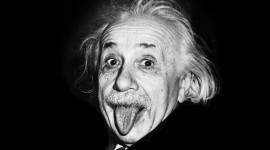 Albert Einstein Download for desktop