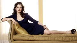Anne Hathaway Download for desktop