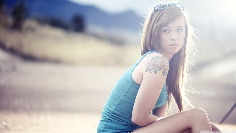 Tattoo Girl Wal... Girl
