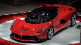 Ferrari Laferrari free
