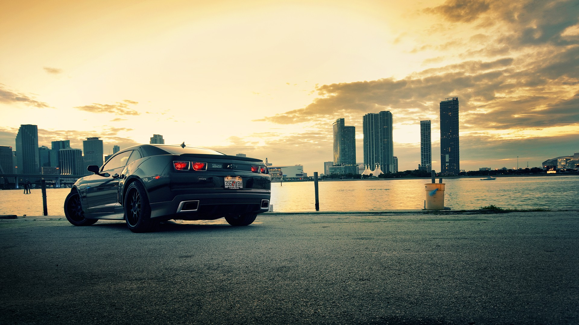 Background Car Hd Wallpapers Cities: Chevrolet Camaro Wallpapers High Quality
