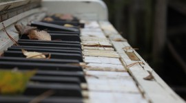 Piano High resolution
