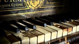 Piano 4K