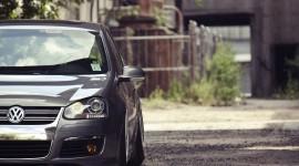 Volkswagen Golf pic