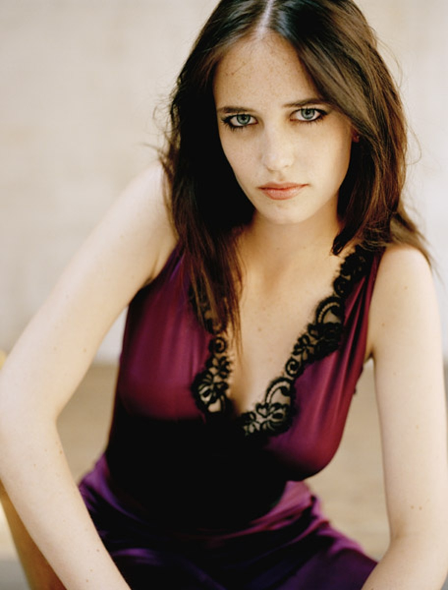 Eva Green Nude Photos 17
