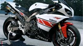 Yamaha R1 Photo #544