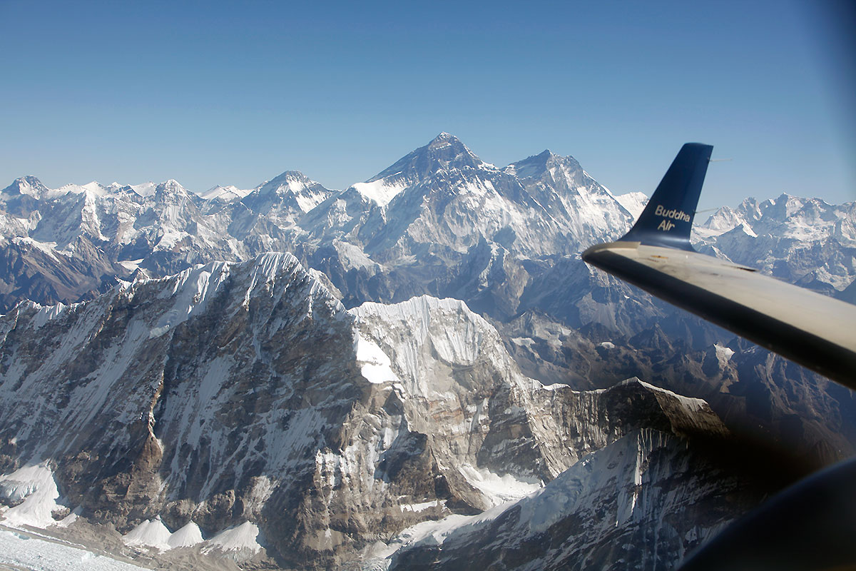 Everest Mountain Desktop Background Wallpapers High Quality