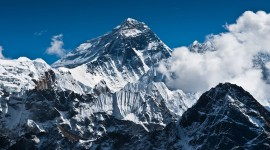 Everest Mountain Image