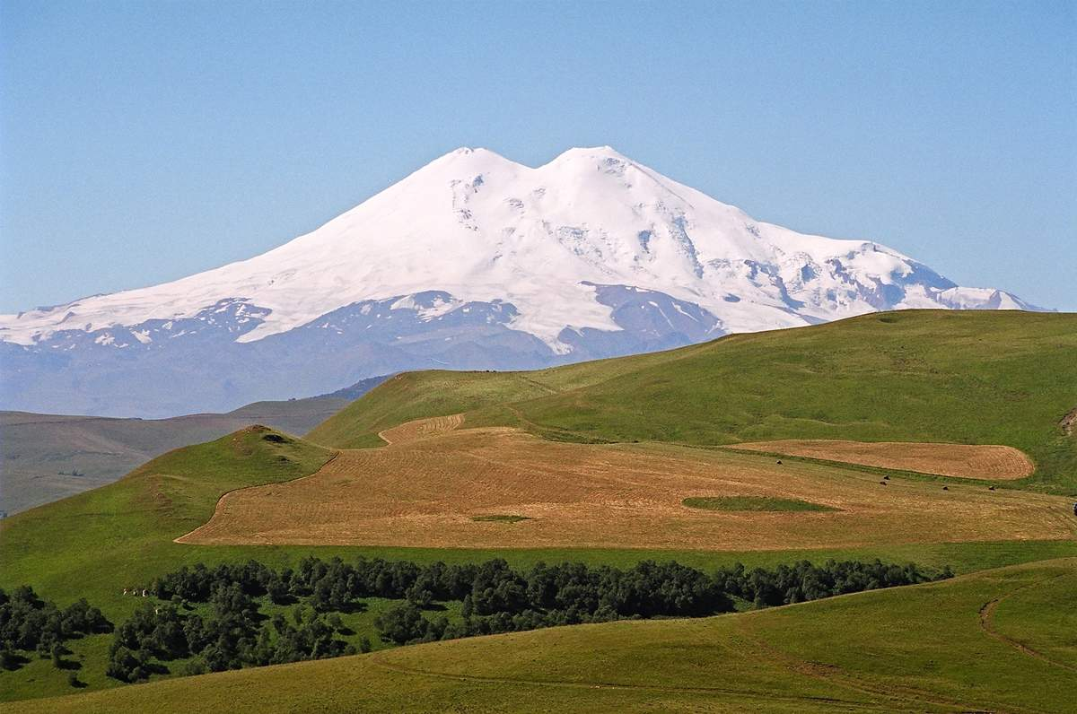 Mount Elbrus Desktop Wallpaper Wallpapers High Quality ...