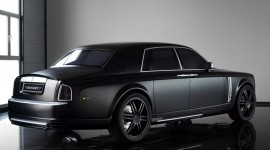 Rolls-Royce Phantom Wallpaper Background