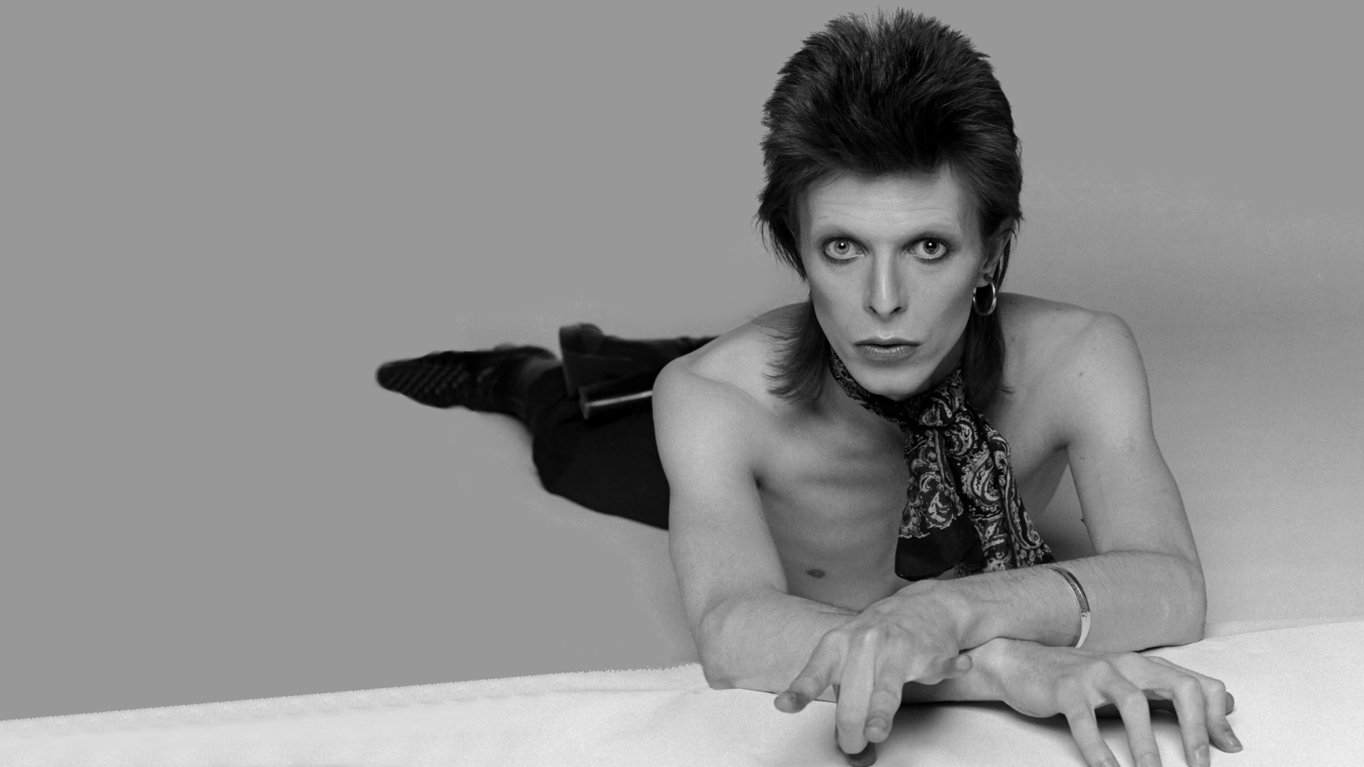 Reliving the changing fashion of david bowie.