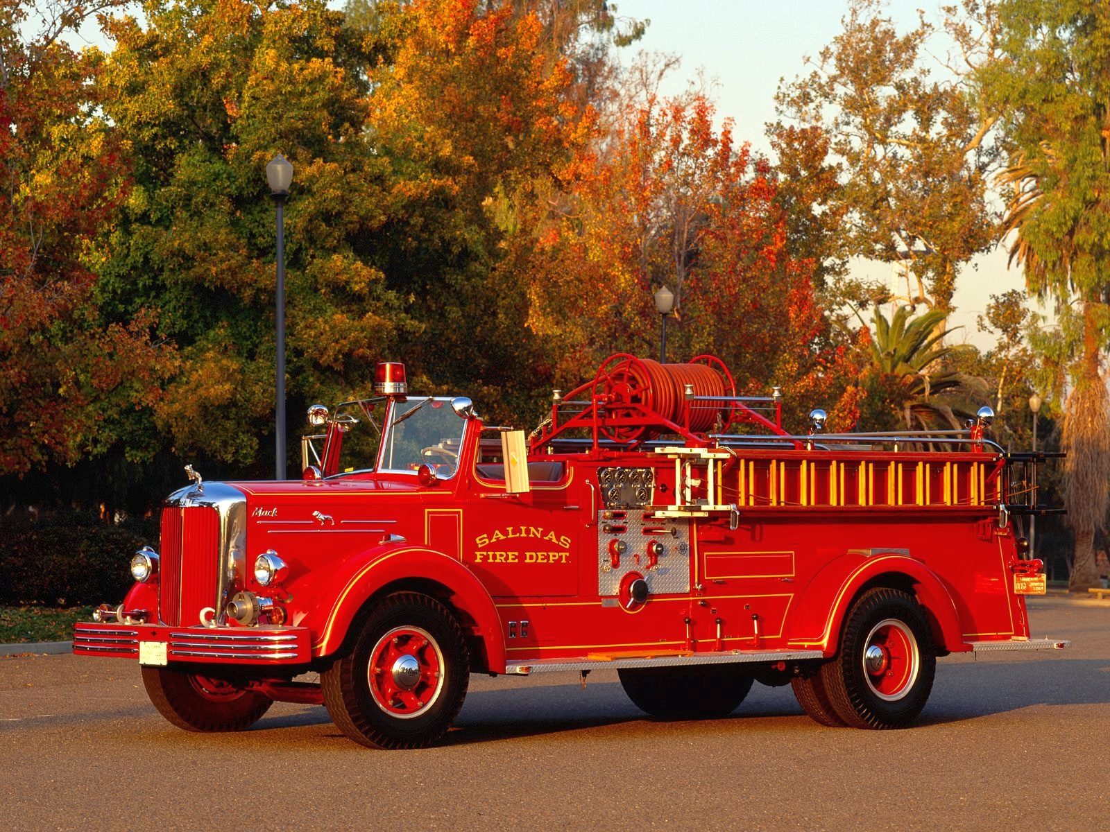 Fire Trucks Wallpapers High Quality