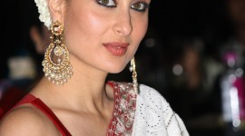 Kareena Kapoor Wallpaper For IPhone Download
