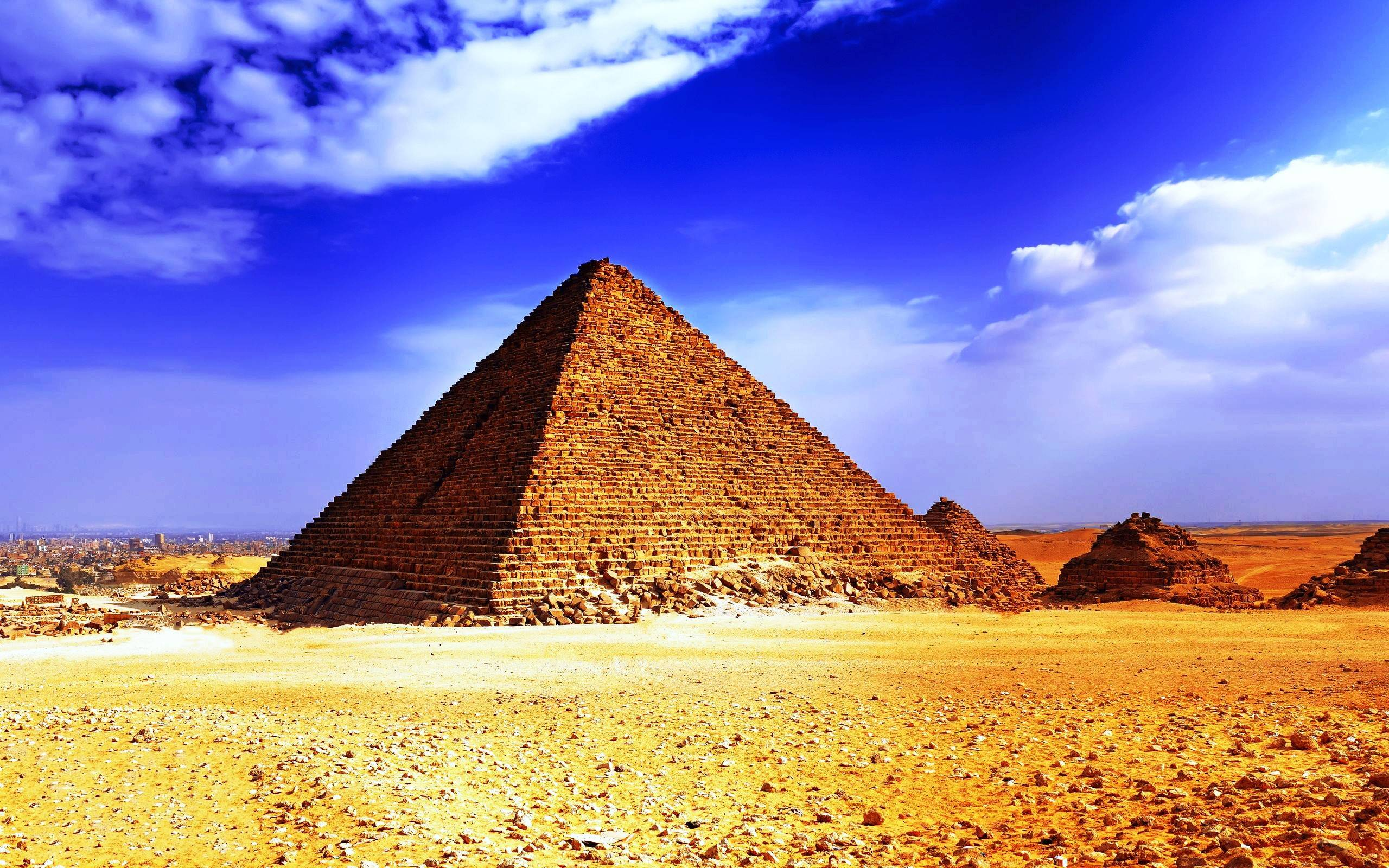 the history of pyramid building in egypt