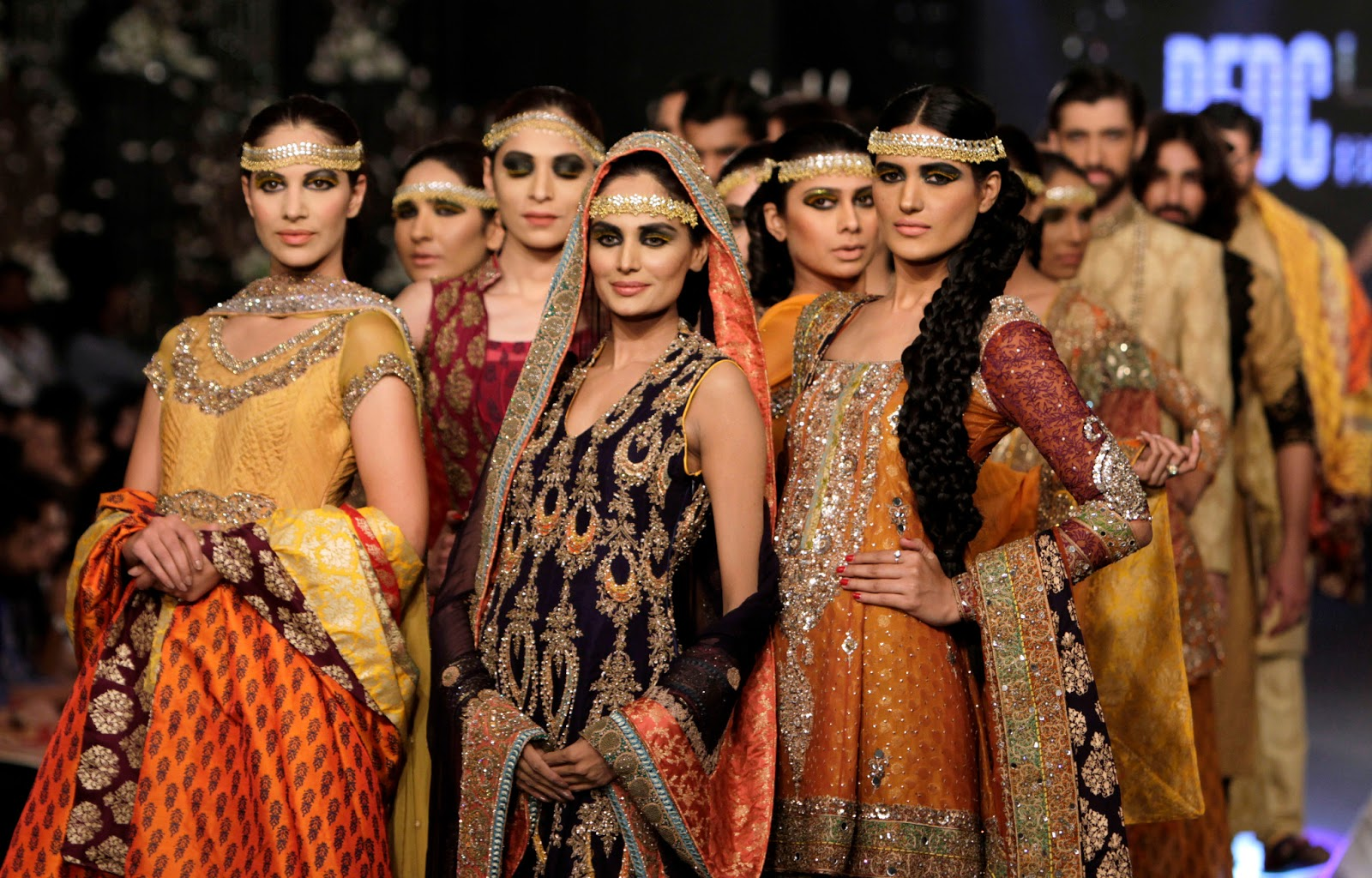To acquire Fashion indian world wallpaper picture trends