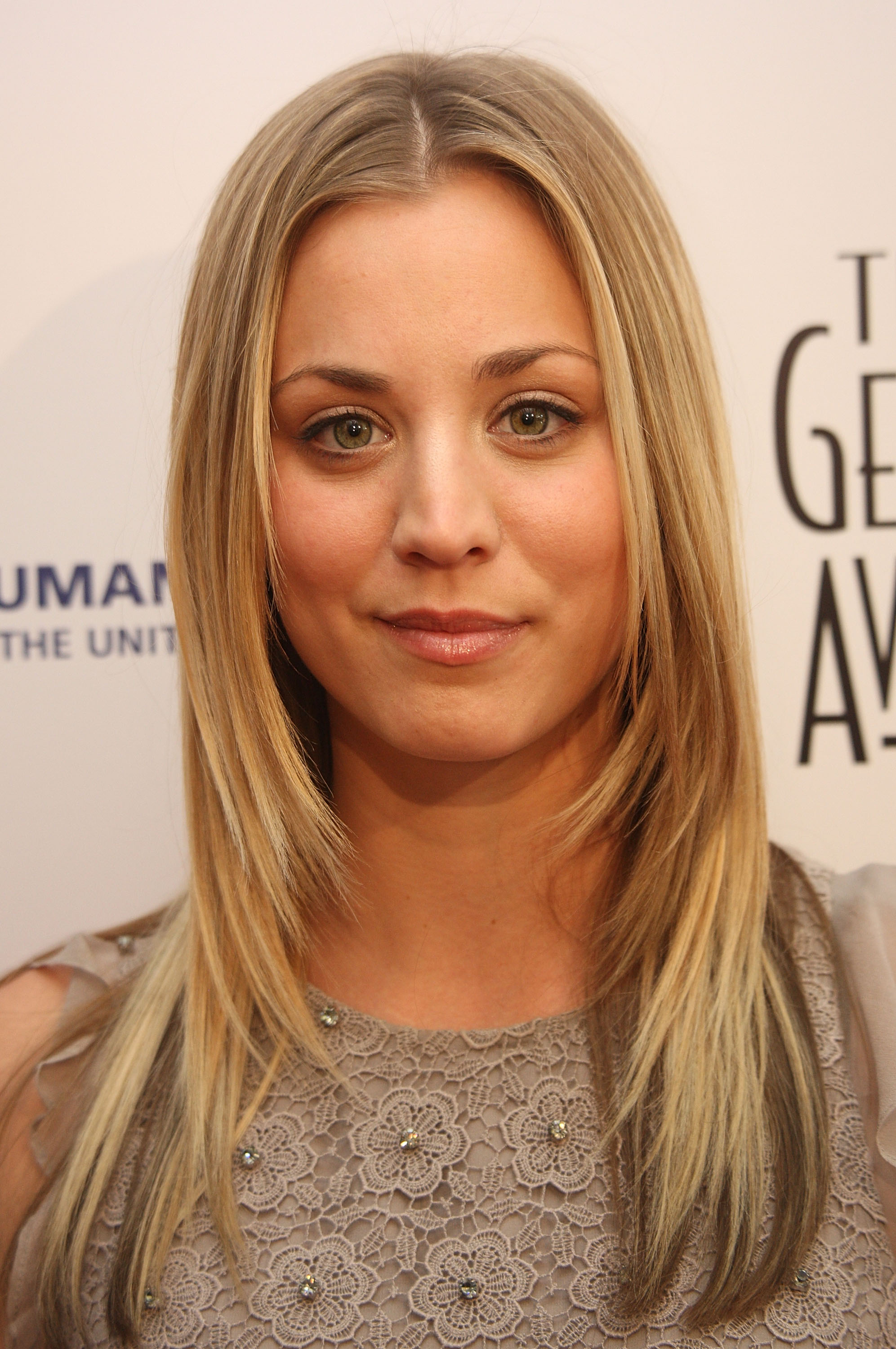 Kaley Cuoco Sweeting Wallpapers High Quality Download Free