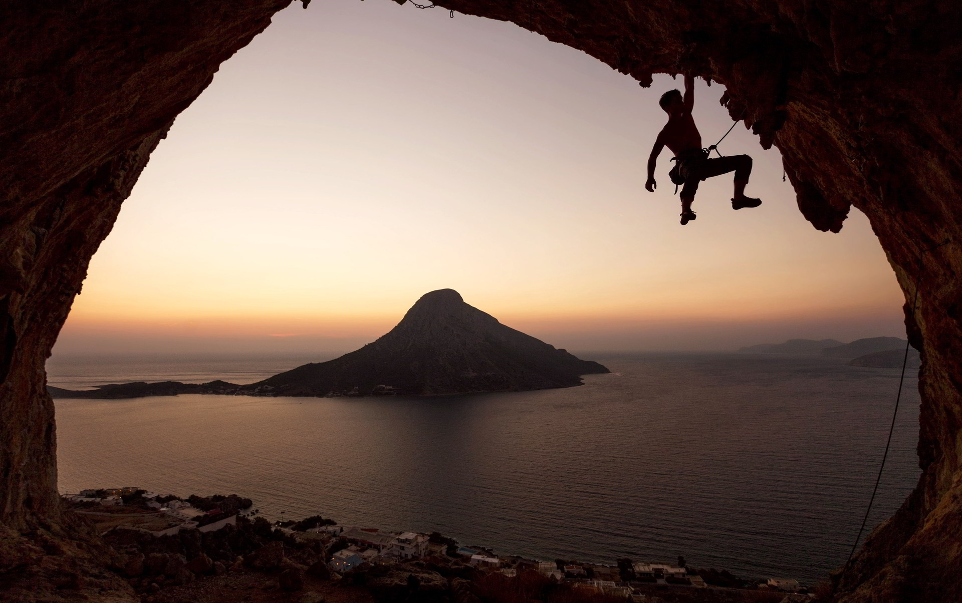rock climbing desktop wallpaper hd