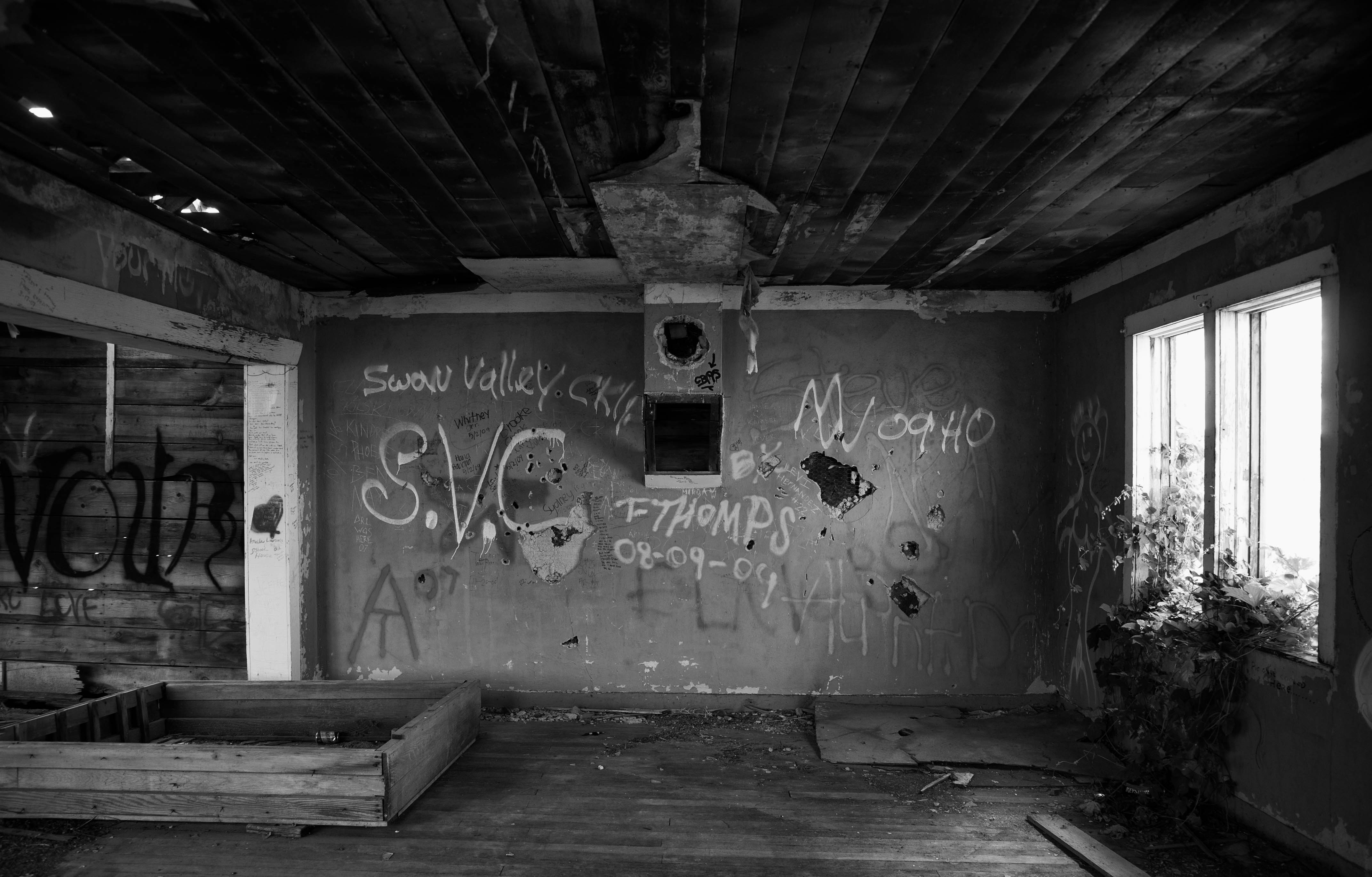 Abandoned Houses Wallpapers High Quality | Download Free