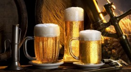 4K Beer Mugs Wallpaper Free