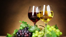 4K Wine Glasses Wallpaper Free
