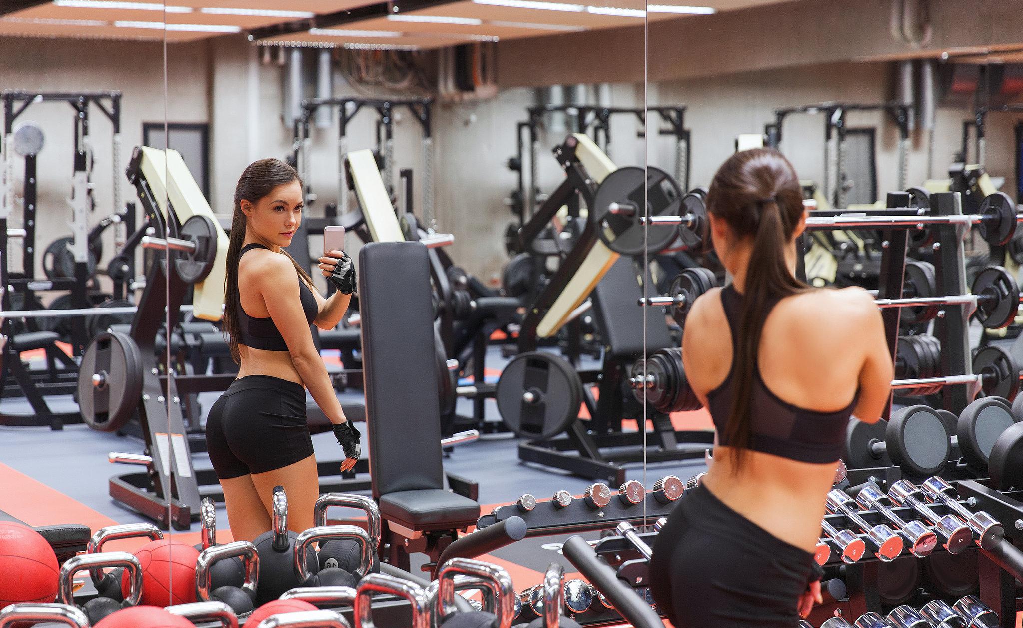 Упражнения для ног и пресса и ягодиц