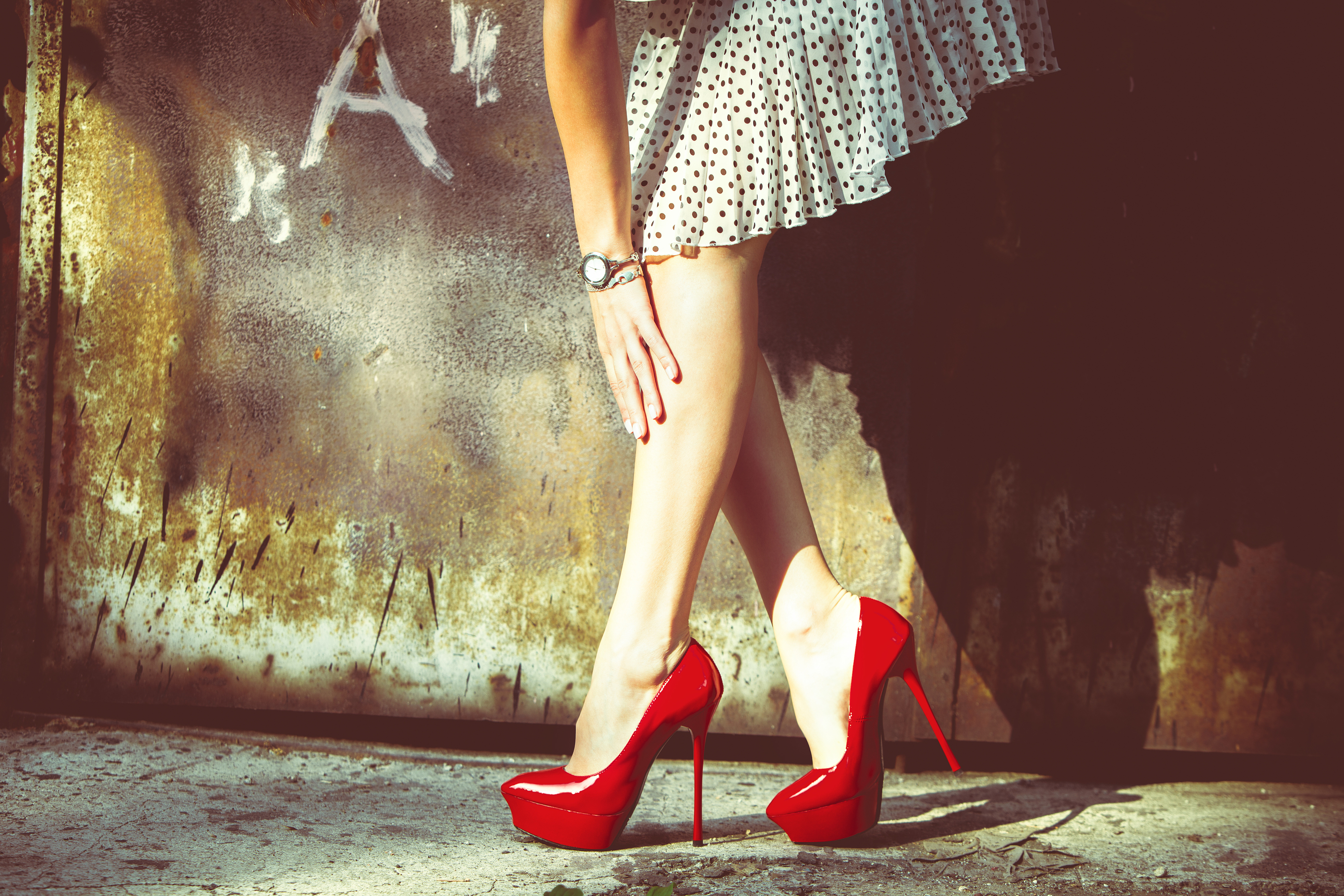 Фото женских ножек на высоких каблуках
