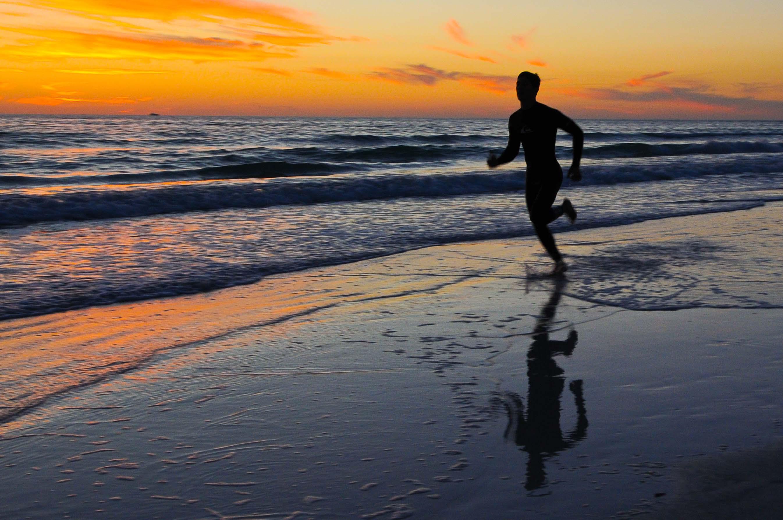 Beach running Nude Photos 25