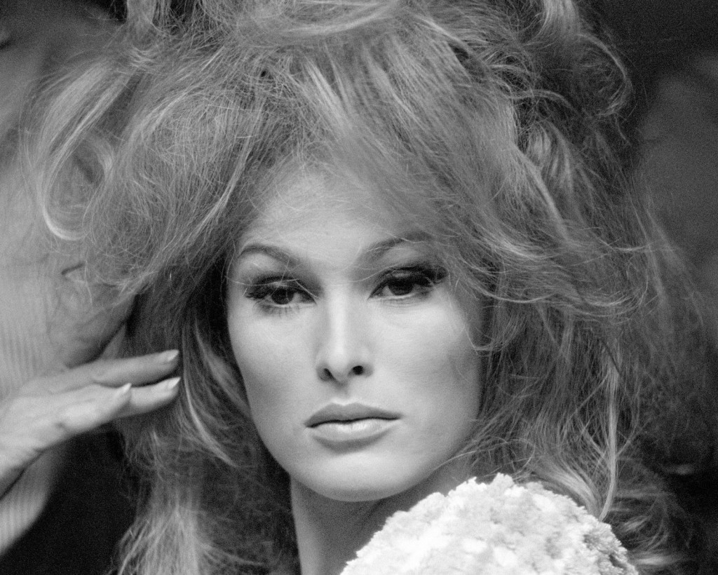 Ursula Andress wallpapers HD