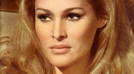 Ursula Andress Wallpaper For IPhone