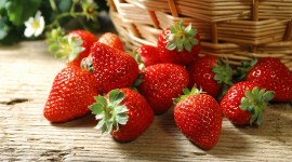 4K A Basket Of Strawberries Photo#3