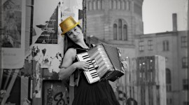 Accordionist Wallpaper For IPhone Free