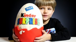 Kinder Surprise Wallpaper For PC