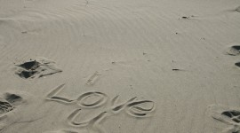 Love In The Sand Wallpaper Full HD