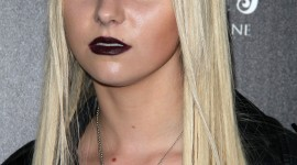 Taylor Momsen Wallpaper For IPhone Download
