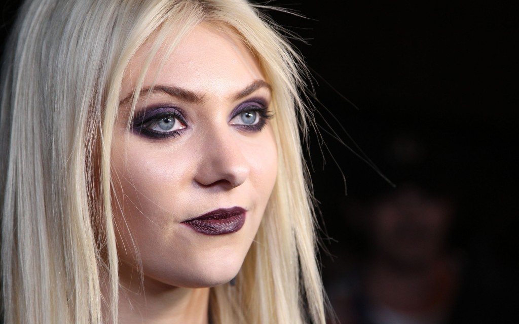 Taylor Momsen wallpapers HD