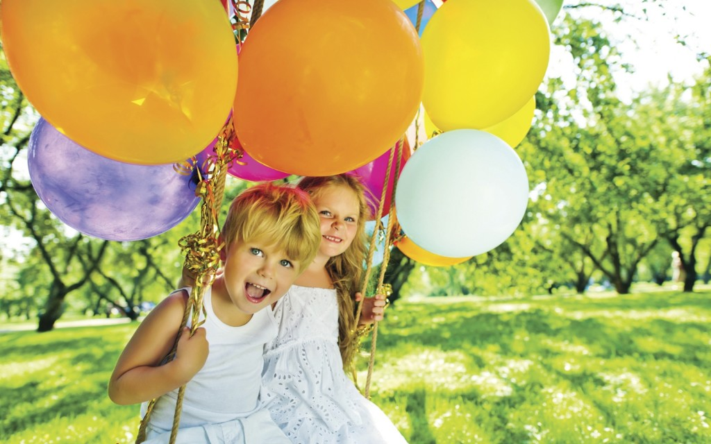 Children With Balloons wallpapers HD