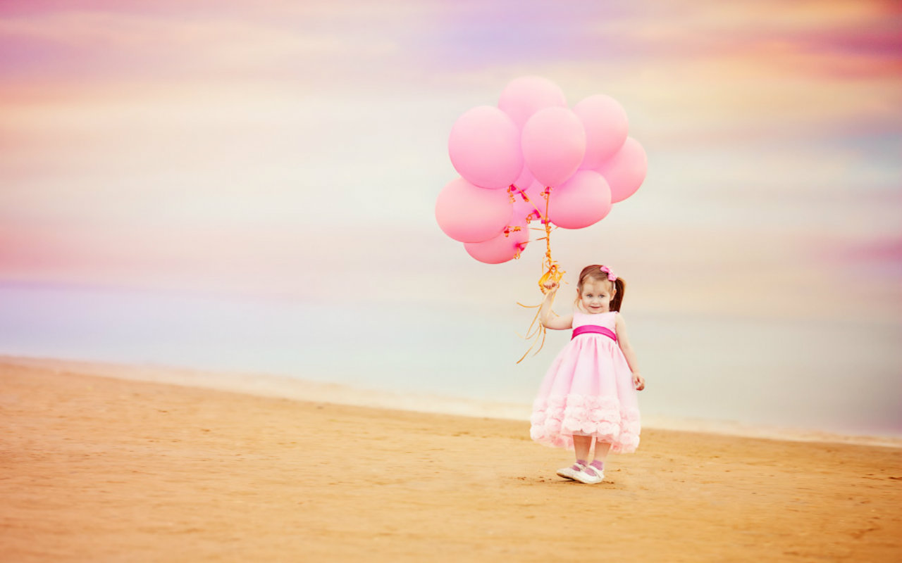 Children with balloons wallpapers high quality download free - Children s day images download ...