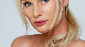 Nicollette Sheridan Wallpaper For IPhone Free