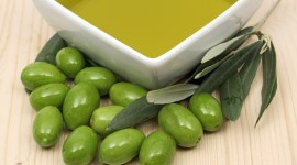 Olive Oil Desktop Wallpaper For PC