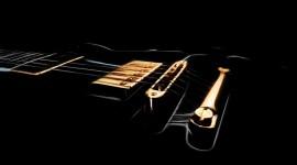 4K Strings Photo