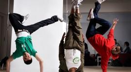 Acrobatic Break Dance Wallpaper