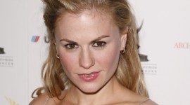 Anna Paquin Wallpaper For Mobile